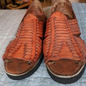 Open toed handwoven huaraches